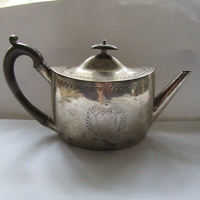 Antique 1796 George III solid silver teapot Hennell, silversmiths to aristocracy