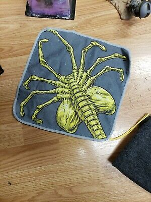 Science Fiction & Horror Alien Facehugger Washcloth Cosmic Loot Crate February 2019 Face Hugger Collectibles