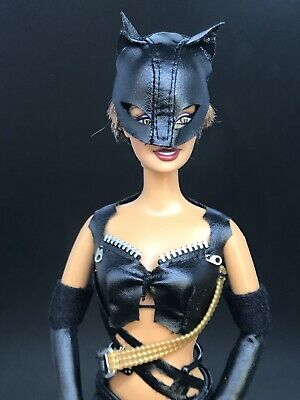 2004 Barbie as Catwoman Barbie Doll Halle Berry African American B5838 Claws