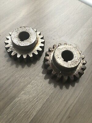 1 X 20T GEAR  24.82mm BORE, 99mm O.D TEETH 25.54mm WIDE, DEPTH 44mm  HALCO DRILL