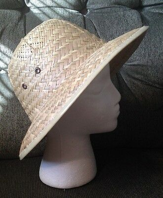 Very Nice Ladies  Safari Style Straw Hat