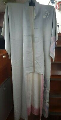 Fab Pale Grey With Floral Pattern Silk Vintage Japanese Full Length Kimono