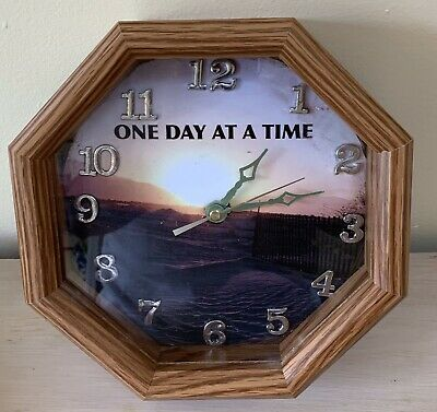 56914171843c HAND CARVED & Painted Wooden Moose Head Wall Clock w/Cabin Scene ...