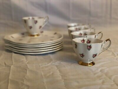 Queen Anne Fine Bone / Gold Trim English Tea Cup and Saucer China Set, 5 person