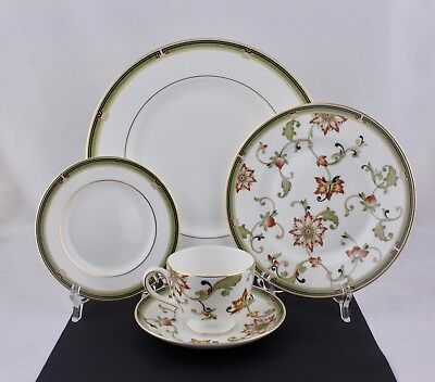 Wedgwood Fine Bone China Oberon Collection 5-Piece Place Setting
