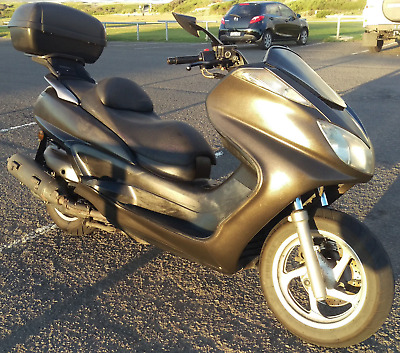 Yamaha YP400 Scooter motorcycle