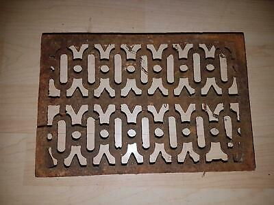 VINTAGE CAST IRON Cooking Kitchen FIRE FRONT KETTLE Flat Iron Sad TRIVET Dish