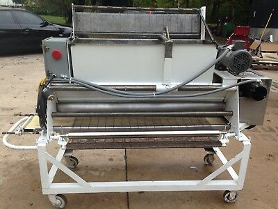 Bakery Conveyor Duster / Topping Dispenser Stainless Line Ready