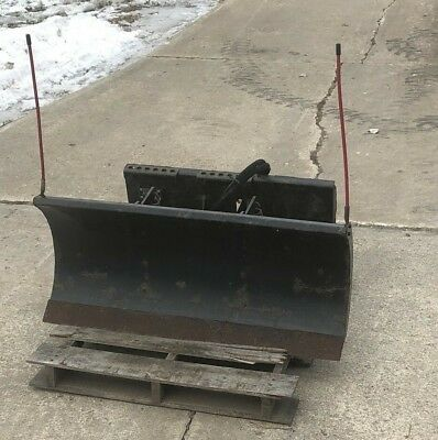BOBCAT MODEL 48 UTILITY BLADE TOOLCAT Mini skid steer loader Snow Plow