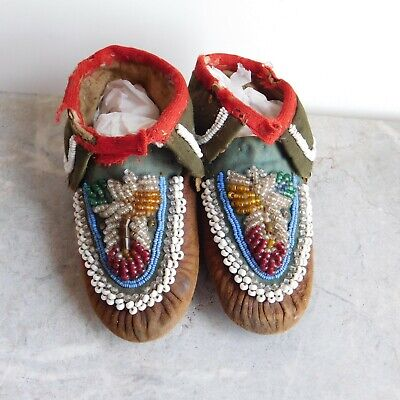 Antique Native American Iroquois? Child's Beaded Hide and Cloth Moccasins