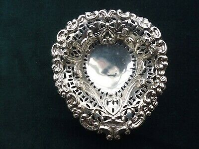 SOLID SILVER HEART SHAPED PIN DISH 18g HALLMARKED BIRMINGHAM 1897 EX CONDITION