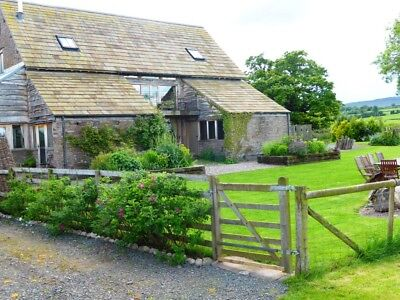 Beautiful Holiday Cottage sleeps 8+2 nr Hay On Wye dog friendly 20-27 July