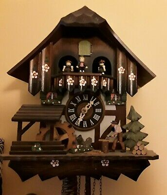 Original BLACK FOREST CUCKOO CLOCK,  ANTIQUE. DER FROEHLICHE WANDERER  2692.