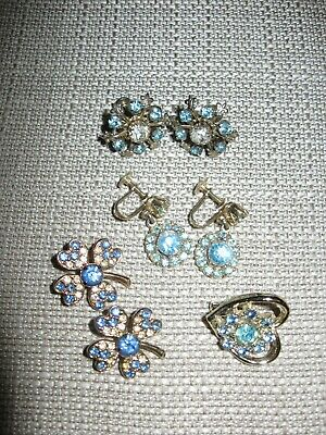 Mixed lot of vintage blue rhinestone gold tone jewelry brooches earrings