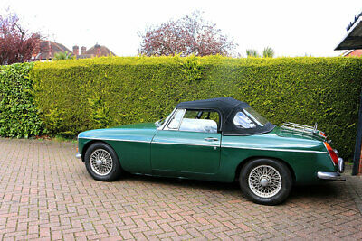 MGB Roadster 1970, B.R.G Leather Interior, Wire Wheels.Ideal Project Car