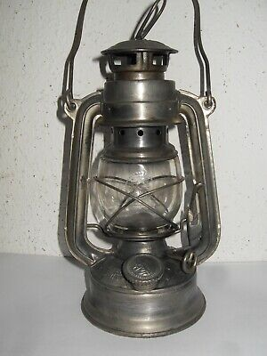 Petroleum Lampe, Laterne, KWANG HWA, MADE IN CHINA , MUSTER auf dem Glas