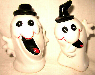 1 Set of Ceramic Ghost Salt & Pepper Shakers Halloween Adorable