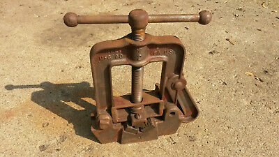"""Vintage Reed Pipe Vise No 2 Holds 1/8"""" to 3 1/2"""""""