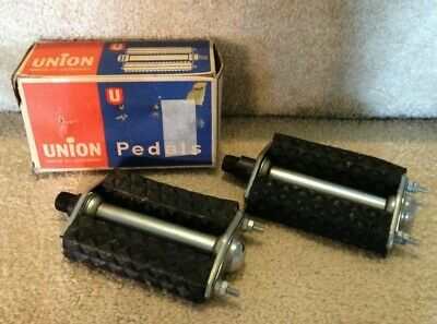 """Vintage 1970s Matched Pair of Grid Waffle Pattern Schwinn Approved 4/"""" Pedals"""