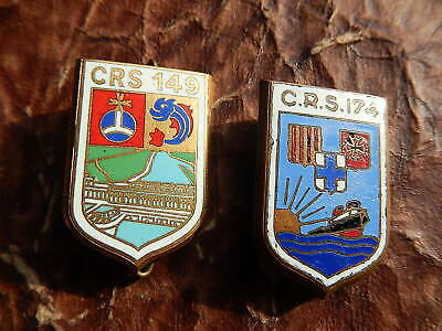 LOT 2 Insigne  OBSOLETE CRS 149 DONZERE 1962 1964 174  1945  ALBI POLICE MOBILE