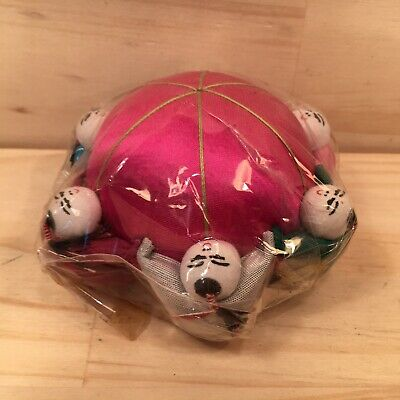 "FAMILY CIRCLE ""Hot Pink"" Novelty Round Pin Cushion Sewing Accessory **NEW**"