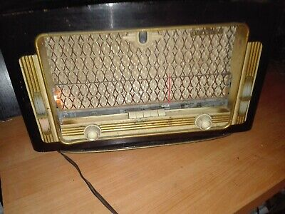 Radio Antigua De Valvulas Evernice