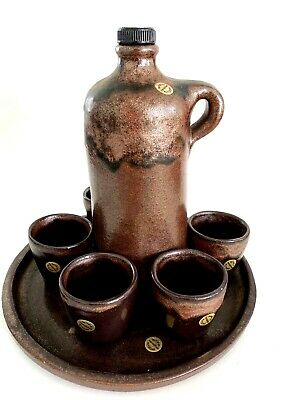 Modernist Handarbeit Swiss Studio Pottery Liquor Jug 5 Cups Set, Sign /Label