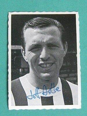 A&Bc 1969/70 Football Photo Card # 7.  Jeff Astle - West Bromwich Albion