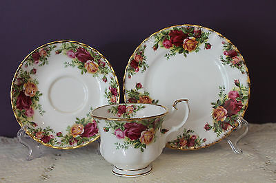 Royal Albert England Old Country Roses Tea Cup Saucer Bread / Butter Plate Trio