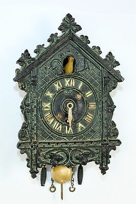 LUX NOVELTY GREEN w/YELLOW BOBBING BIRD CUCKOO CLOCK - TK121