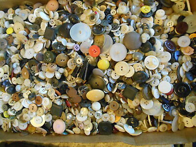 5 1/2 Pounds Vintage Buttons Plastic Lucite Wood Metal More #2