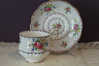 Royal Albert Fine Bone China England Teacup And Saucer 'Petit Point'