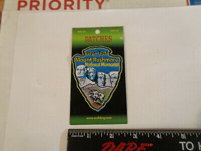 MOUNT RUSHMORE NATIONAL MEMORIAL South Dakota Souvenir Iron on Sew on Patch (d1)