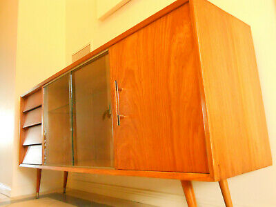 Mid-Century Vintage/Retro Danish Style Timber Sideboard/Cabinet/Buffet