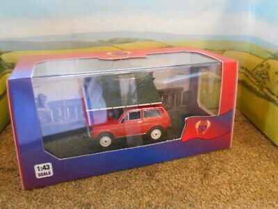 1:43 IXO  MODEL OF LADA NIVA WITH ROOF TENT 1981 IN RED NIB LESS THAN HALF P