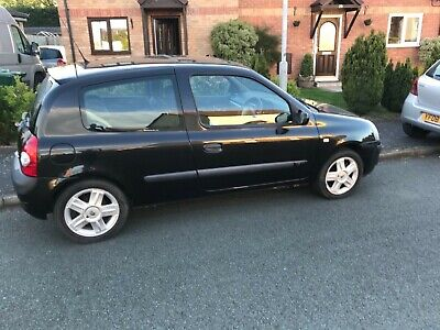 Renault Clio 1.2 16v  low milage idea First car