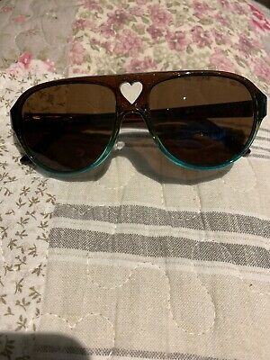 Girls Guess Sunglasses With Case 50-13-125 Used Few Times Great Condition