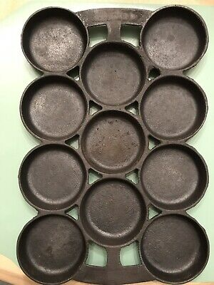 Antique Shallow Cast Iron Gem/Cornbread Pan Gate Marks