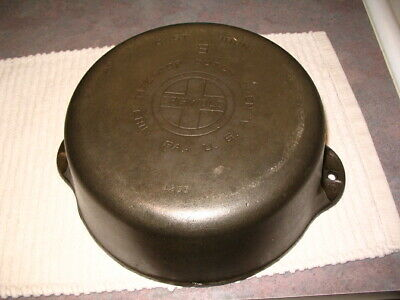 vintage Griswold Cast Iron No.8 1295 I  Dutch Oven Large Logo