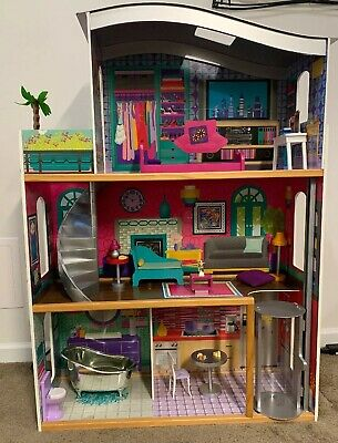 Barbie Playhouse Dream 3-Story Doll House with Furniture ~ Almost 4 Feet High