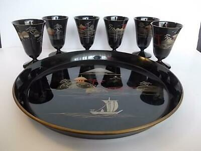 166 / A 1950s PAINTED & GILDED JAPANESE LACQUERED WOODEN DRINKS SET WITH TRAY