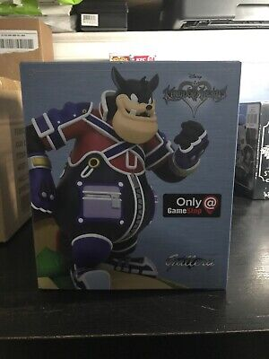 Diamond Select Kingdom Hearts Gallery Pete Statue EXCLUSIVE GameStop PVC