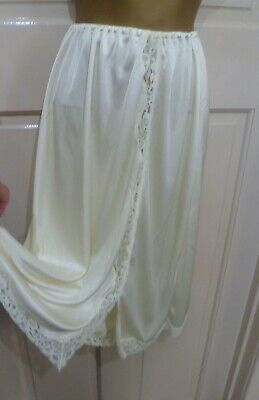 Vintage Gorgeous Cream Thicker Silky Nylon Half Slip Pretty Lace Size 14-16