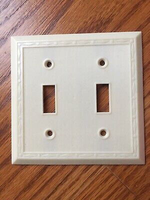 1 Vintage Leviton Switch Plate Wall Cover Ribbed Lines Ivory Bakelite Art Deco