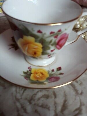 Vintage Queen Anne Fine Bone China Tea cup & saucer  Pink & yellow Roses 3519