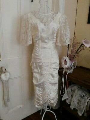 VINTAGE 1980's CREAM WEDDING DRESS WITH RUCHED DETAIL LACE & BEADING