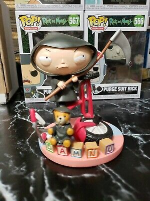 Quick And Painless Family Guy Limited edition 3k Piece Statute