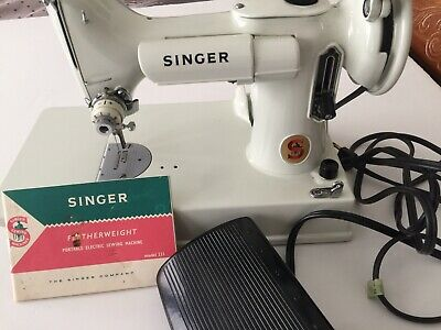 Vintage Singer White Featherweight Sewing Machine 221K Mint Condition