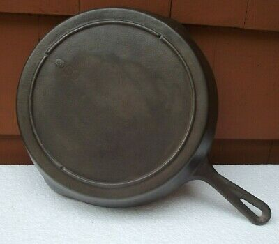 Vintage Cast Iron Skillet Double Pour Unique Heat Rim #2 Raised Number + A #8