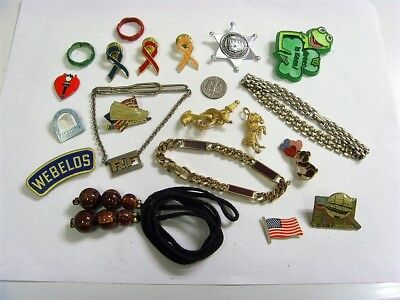 19 vintage assorted jewelry items junk drawer lot brooch swank etc mix 50373